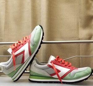 Brooks chariot men's running shoes sz 9.5